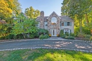 708 Birchwood Drive, Wyckoff NJ