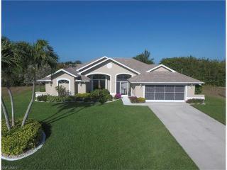 820 Northwest 37th Place, Cape Coral FL