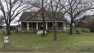 614 North Lee Street, Valley View TX