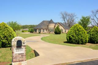 1206 East Scandinavian Court, Granbury TX