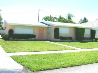 654 Northeast 3rd Avenue, Boca Raton FL