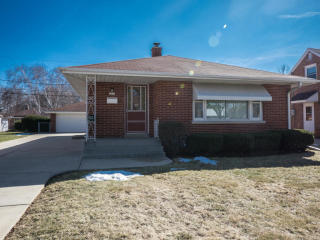 3235 East Waterford Avenue, Saint Francis WI