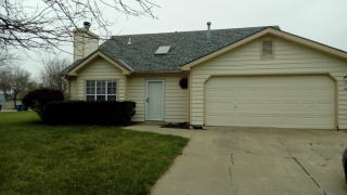 105 Tumbleweed Dr, Lawrence, KS