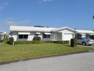 2093 Southwest Lake Circle Drive, Boynton Beach FL