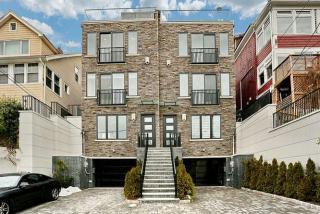 18 Beverly Place, Edgewater NJ