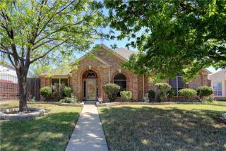 2810 Saint Charles Drive, Mansfield TX