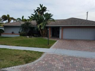 2740 Northeast 46th Street, Lighthouse Point FL