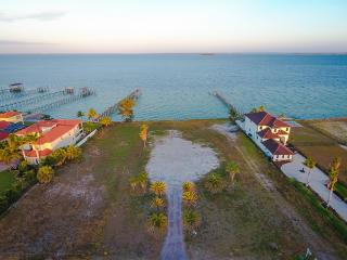 6612 Surfside Boulevard, Apollo Beach FL