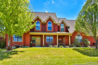 616 Green Oak Drive, Pipe Creek TX