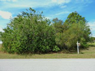 4644 Southwest Flintstone Drive, Port Saint Lucie FL