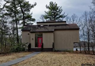 54 Bluff Road, Rexford NY