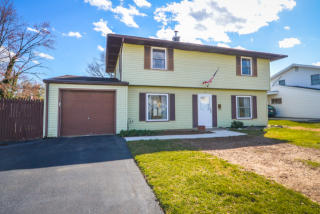 36 Turf Road, Levittown PA