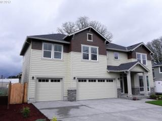 1055 Southeast 60th Court, Hillsboro OR