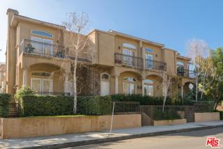 18656 Hatteras Street #108A, Tarzana CA