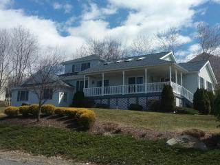 1302 Mountain Laurel Dr, Scranton, PA