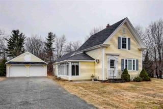 205 Central Street, Hampstead NH