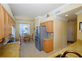 8066 Queen Palm Ln #518, Fort Myers, FL