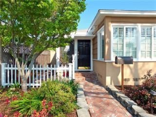 2360 Montair Avenue, Long Beach CA
