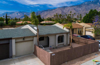 1561 East Twin Star Road, Palm Springs CA