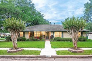 5830 Belrose Drive, Houston TX
