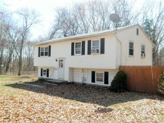 2 Hennessey Court, Griswold CT