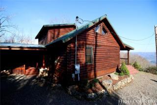 379 Cherokee Cove Private Drive, Mountain City TN