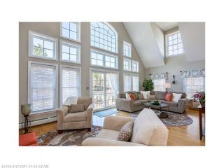 143 Middle Road, Falmouth ME