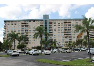 4001 Hillcrest Drive #303, Hollywood FL