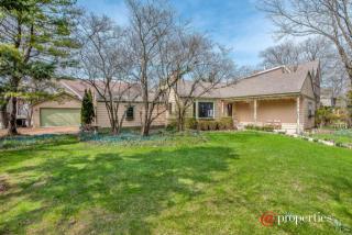 345 Ivy Court, Kenilworth IL