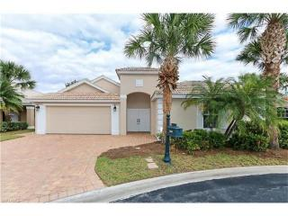 1559 Whispering Oaks Circle, Naples FL
