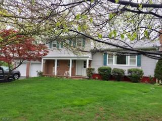 17 Beechtree Rd, West Caldwell, NJ