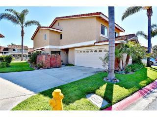 7926 Seawall Circle, Huntington Beach CA
