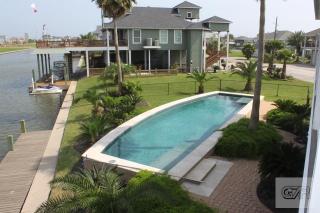 1240 Fountain View Drive, Crystal Beach TX