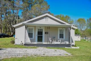 104 Hunter St, Abbeville, SC