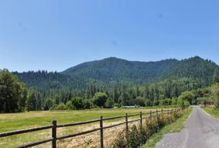 2567 East Evans Creek Road, Rogue River OR