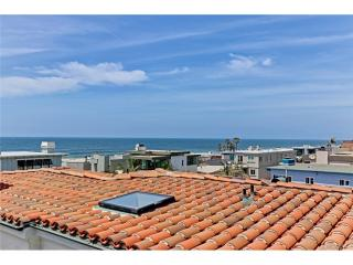 2211 Bayview Drive, Manhattan Beach CA