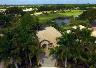 7981 Cranes Pointe Way, West Palm Beach FL