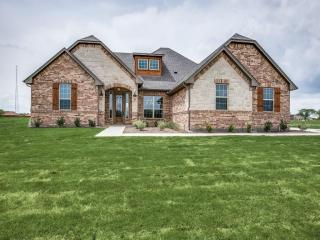 10913 Criswood Drive, Crowley TX