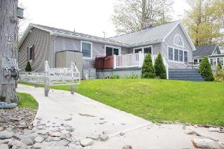 24 West Shore Oaks Drive, Oswego NY