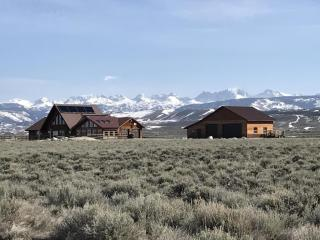 78 Wild West Place, Pinedale WY