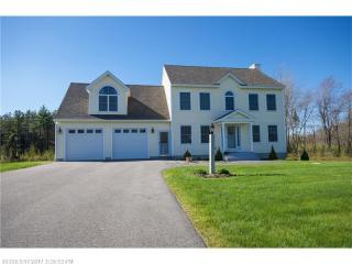 8 Farmhouse Road, Scarborough ME