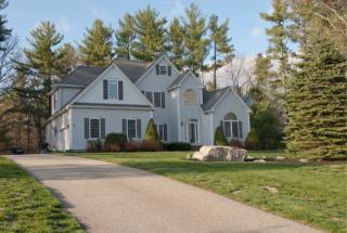 84 Searles Rd, Windham, NH