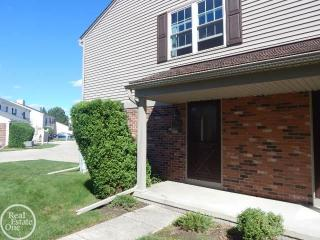 15758 Charleston Drive, Clinton Township MI