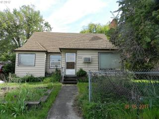 1604 East 10th Street, The Dalles OR