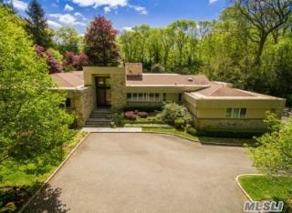 8 Rolling Hill Road, Old Westbury NY