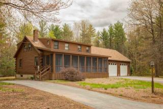 83 Betts Road, Rochester NH