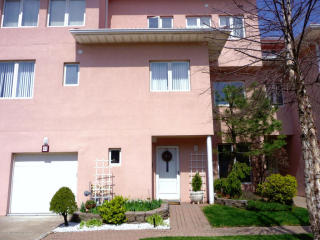 23 Harbour Court, Staten Island NY