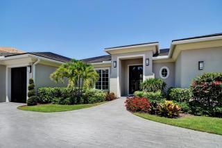 647 Hermitage Circle, Palm Beach Gardens FL