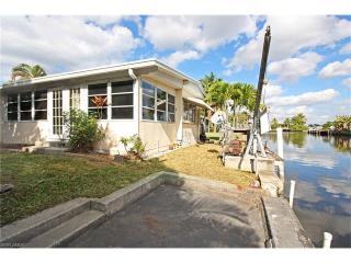 2585 Cay Cove, Matlacha FL