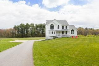 13 Pine Road, Brentwood NH